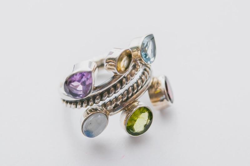 Ring mit bunten Edelsteinen in Silber von Barong Direktimport Soest